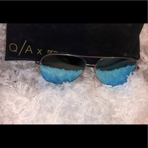 Quay x desi perkins high key sunnies - blue